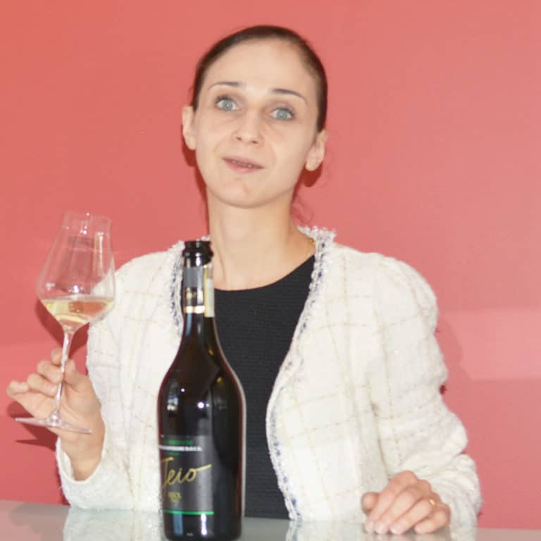 ICOP - Julia Scavo - 5ème Meilleur Sommelier Du Monde 2013
